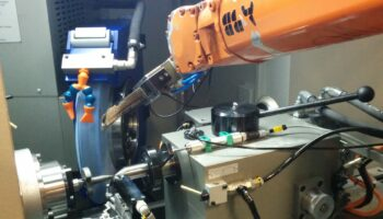 ROBOT CHARGEMENT PIECES RC1